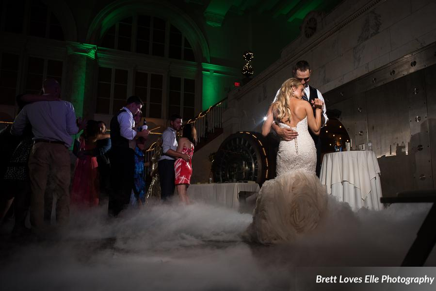 Eldred_Pierce_BrettLovesEllePhotography_LaurenTylerReception341_0_low